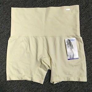 XL Slimming Short